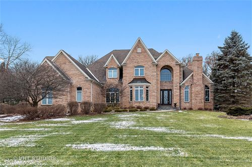 3301 Berry, Crystal Lake, IL 60012