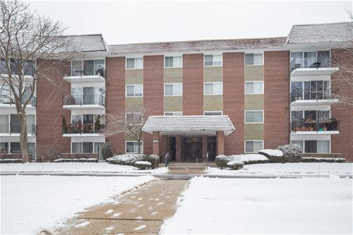 1025 S Fernandez Unit 4A, Arlington Heights, IL 60005