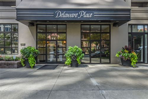 33 W Delaware Unit 25C, Chicago, IL 60610 Near North