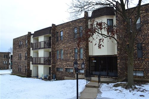 2263 Country Club Unit 3, Woodridge, IL 60517