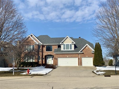 978 Wedgewood, Crystal Lake, IL 60014