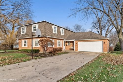 747 N Willow Wood, Palatine, IL 60074
