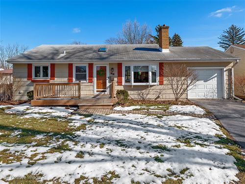 25 N Washington, Westmont, IL 60559