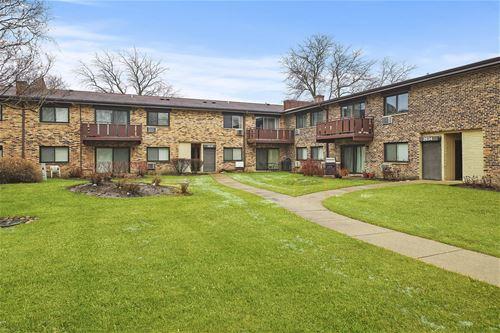 2630 N Windsor Unit 202, Arlington Heights, IL 60004