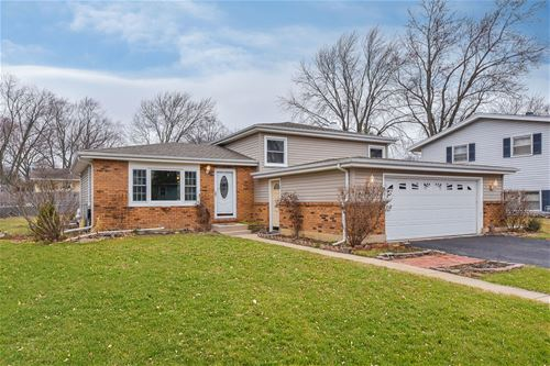 1924 Forrest, St. Charles, IL 60174