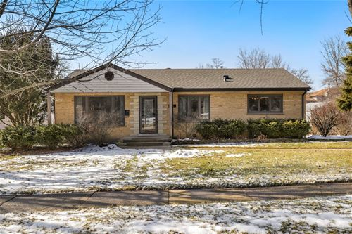 4422 Wilson, Downers Grove, IL 60515