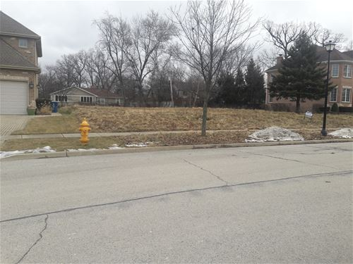 301 N Forest, Addison, IL 60101