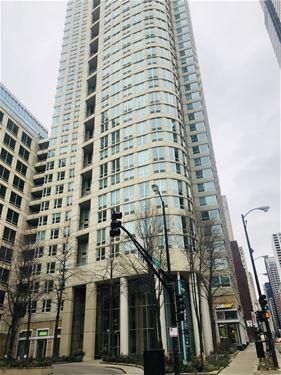 345 N La Salle Unit 306, Chicago, IL 60654 River North
