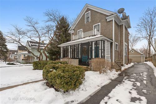 323 W Maple, Libertyville, IL 60048