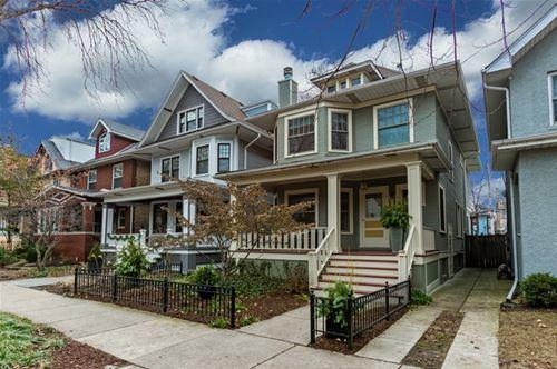 1445 W Cullom, Chicago, IL 60613 Graceland West