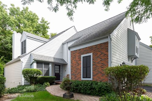 28 Whittington, St. Charles, IL 60174