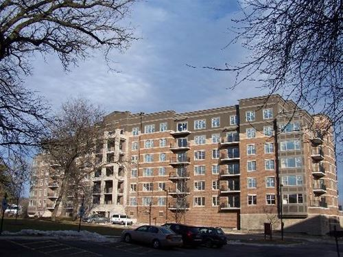 125 Lakeview Unit 312, Bloomingdale, IL 60108