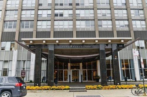 655 W Irving Park Unit 2607, Chicago, IL 60613 Lakeview