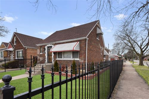 8961 S East End, Chicago, IL 60617 Calumet Heights