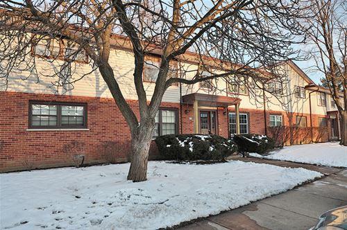 217 Washington Unit A, Elk Grove Village, IL 60007