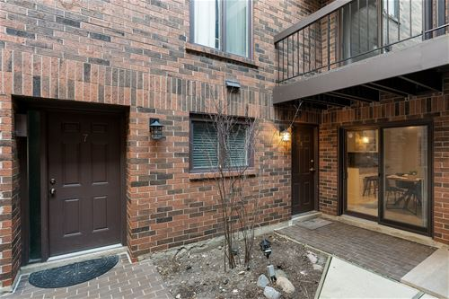 434 W Briar Unit 8, Chicago, IL 60657 Lakeview
