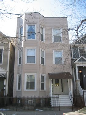 1823 W Henderson, Chicago, IL 60657 Roscoe Village