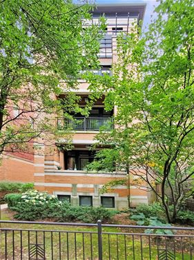 639 W Melrose Unit 2S, Chicago, IL 60657 Lakeview