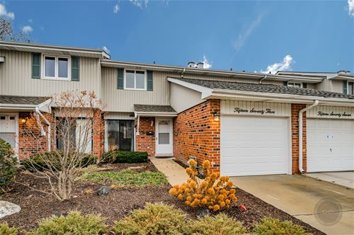1573 Coloma Unit 1, Wheaton, IL 60189