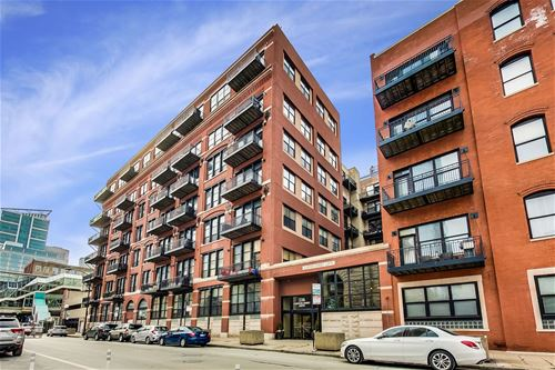 226 N Clinton Unit 524, Chicago, IL 60661 Fulton River District
