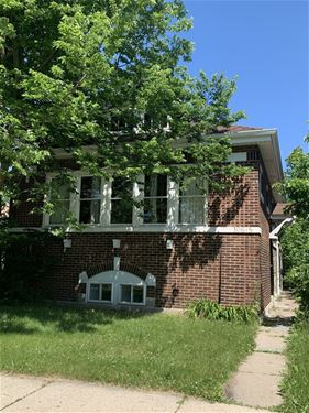 10615 S Bensley, Chicago, IL 60617 South Deering