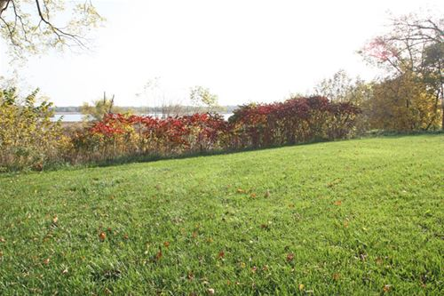 38415 N Primrose Path, Spring Grove, IL 60081