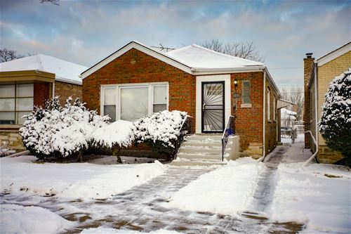 9005 S East End, Chicago, IL 60617 Calumet Heights