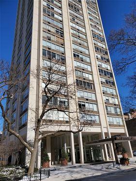 70 W Burton Unit 2404F, Chicago, IL 60610 Gold Coast