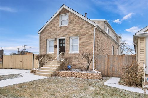 11018 S Whipple, Chicago, IL 60655