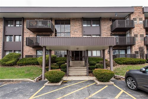 1421 Woodbridge Unit E3, Joliet, IL 60436