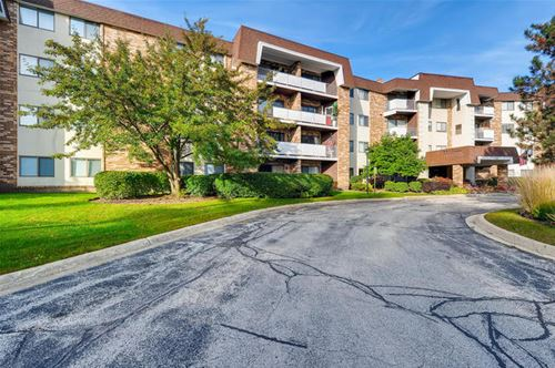 3300 N Carriageway Unit 306, Arlington Heights, IL 60004