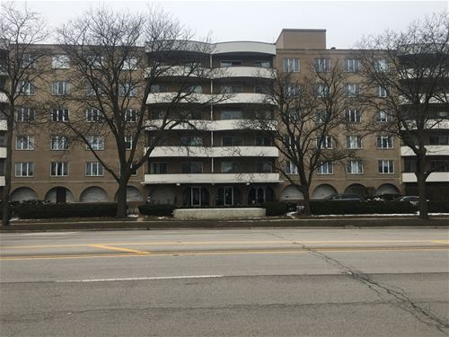 6400 N Cicero Unit 610, Lincolnwood, IL 60068