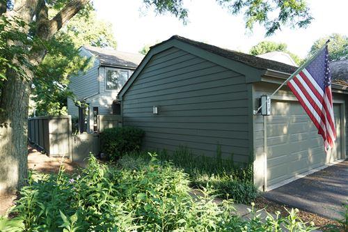 310 N Oak Hill, Lake Barrington, IL 60010