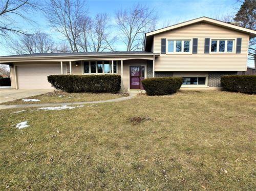 760 Lancaster, Crystal Lake, IL 60014