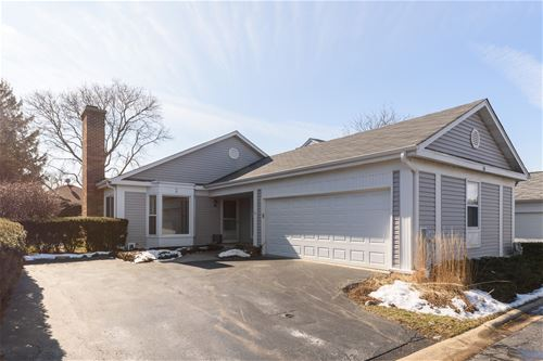 10 The Court Of Hidden Bay, Northbrook, IL 60062