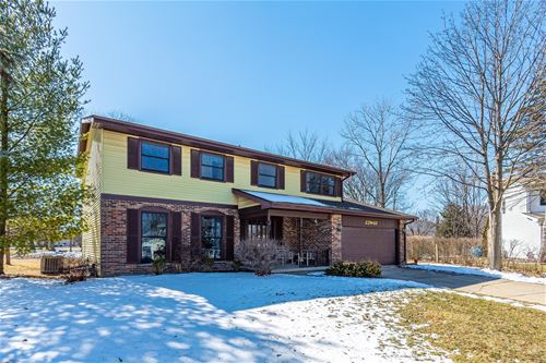 23W411 Woodcrest, Naperville, IL 60540