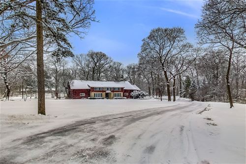 15345 W Oak Spring, Libertyville, IL 60048