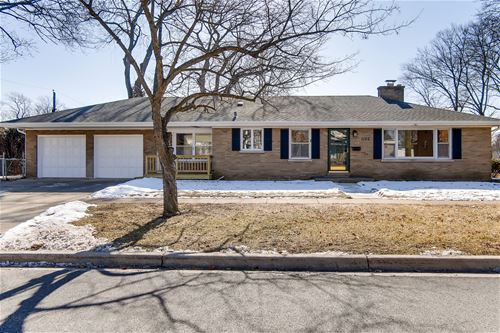 1102 E Illinois, Wheaton, IL 60187