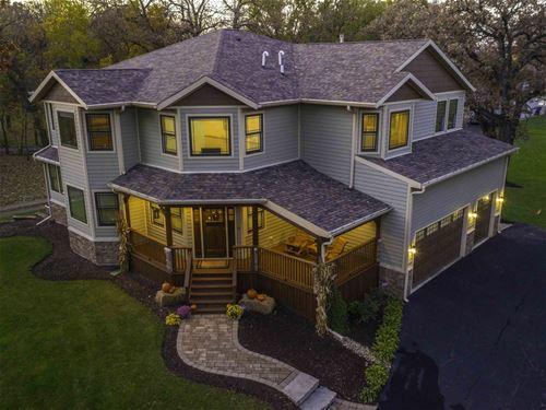 214 Hickory Nut Grove, Cary, IL 60013