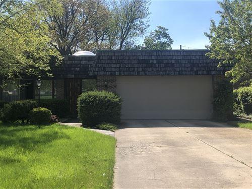 888 S Linden, Elmhurst, IL 60126