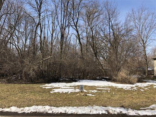 8740 Shade Tree, Lakewood, IL 60014