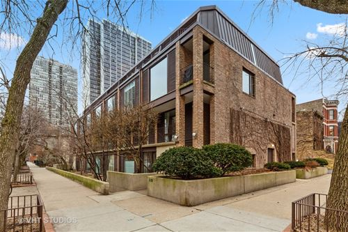 235 W Eugenie Unit G7, Chicago, IL 60614 Lincoln Park