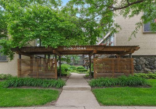 1044 Ontario Unit 2C, Oak Park, IL 60302