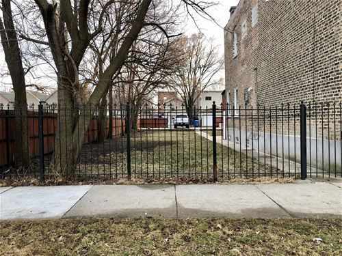 3301 W Hirsch, Chicago, IL 60651 Humboldt Park