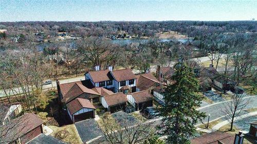 19 White Oak, St. Charles, IL 60174