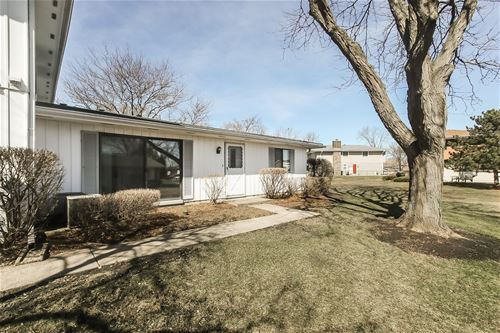 127 Brewster Unit C, Bloomingdale, IL 60108