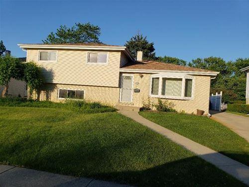 117 S Clarendon, Addison, IL 60101