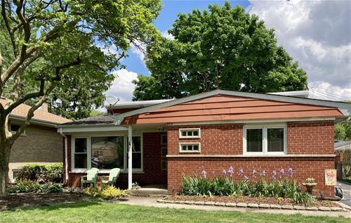 905 Meadowcrest, La Grange Park, IL 60526