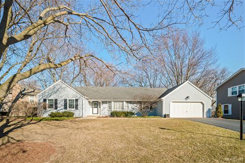 1034 Woodland Hills, Batavia, IL 60510