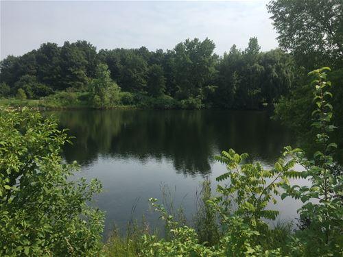 21260 W Lakeview, Mundelein, IL 60060